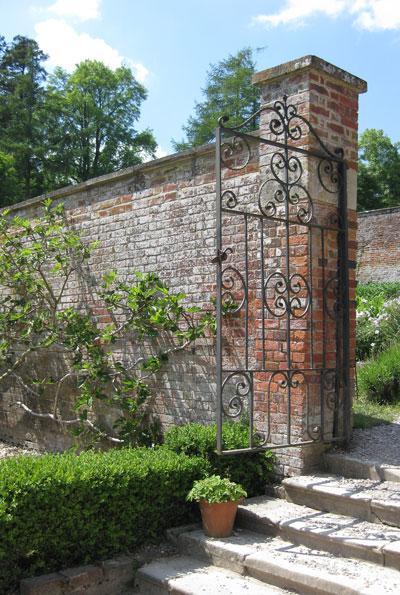 Stourhead-walled-garden
