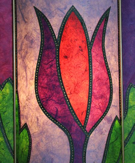 Detail-flower-lamp-lit