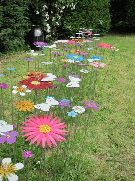 Ruth-Moilliet-flower-swathe