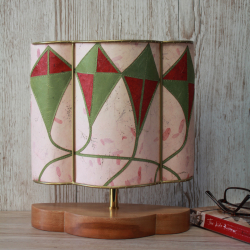 Green-kites--half-lamp-off